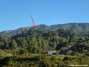 La casi redonda Montaña de Las Indias llama apenas la atención, dado que casi desaparece entre los árboles.
